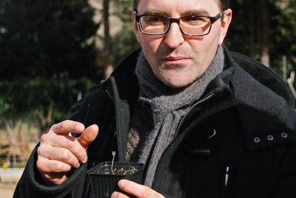 Martin lors d'une animation sur les semis à la fin de l'hiver. Crédit photo : Isabelle Artus