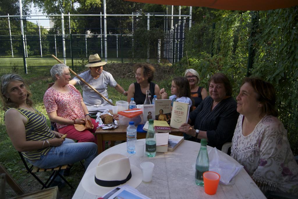 Dernier lire au jardin de l t jardin partag des for Lire au jardin 2015 versailles